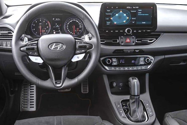 Hyundai i30 Hatch 5Dr 1.0 T-GDi MHEV 120PS Premium 5Dr Manual [Start Stop] inside view