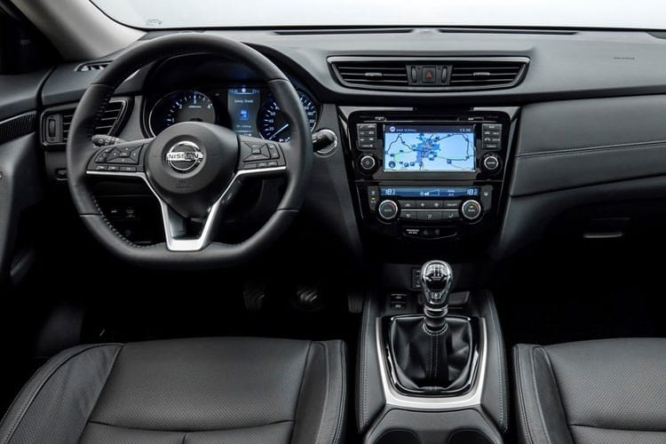 Nissan X-Trail SUV 4wd 1.7 dCi 150PS N-Connecta 5Dr Manual [Start Stop] [5Seat] inside view